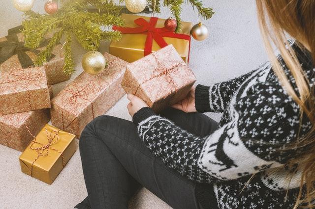 Køb juletrøjer til medarbejdere og skab mere julehygge